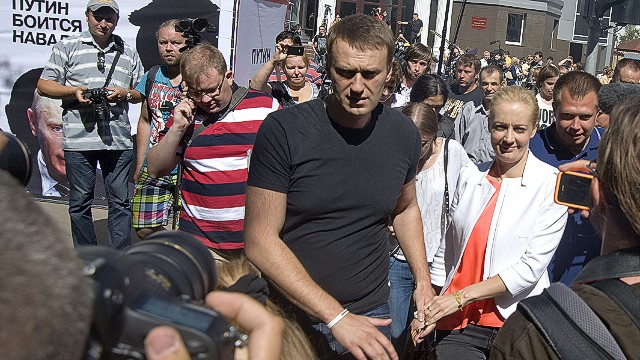 Russian opposition leader out of prison