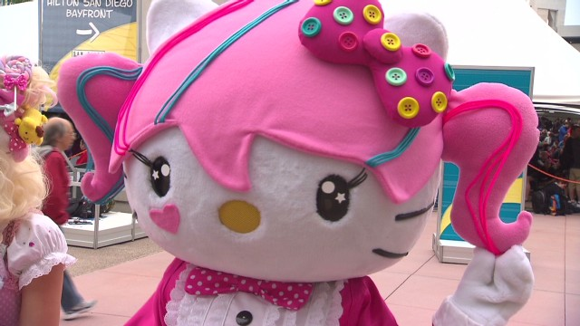 comic-con-2013-hello-kitty_00001426.jpg