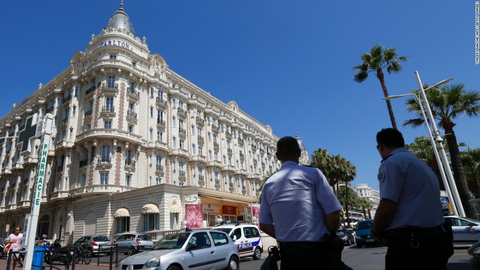 "In July 2013, an armed robber <a href=""http://www.cnn.com/2013/07/29/world/europe/cannes-jewelry-theft/index.html"">held up a jewelry exhibition at the Carlton Hotel</a> in the French resort city of Cannes, stealing jewels worth an estimated 102 million euros ($136 million)."
