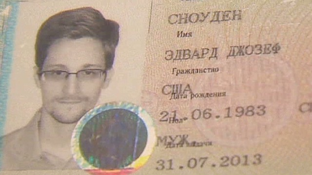 Filmmaker to Snowden: Don't cross Russia