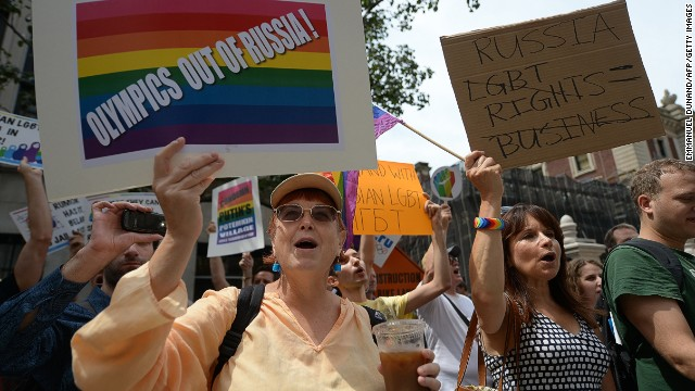 Gay rights group wants action on Russia