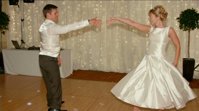 itn pkg paralympian wedding dance_00003007.jpg