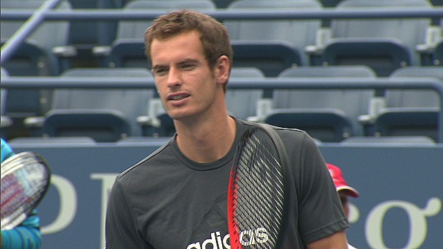 Tennis stars help Sandy victims