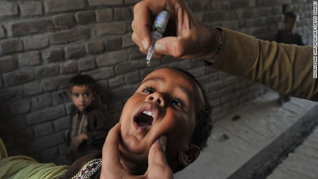Polio vaccination workers under attack