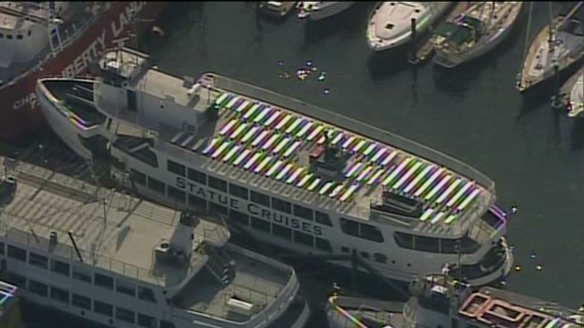 raw aerials of Liberty Island ferry crash_00001519.jpg
