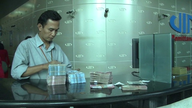 dnt chiou indonesia currency crisis_00004507.jpg