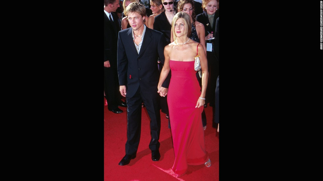 Jennifer Aniston and Brad Pitt were one of the golden couples walking the red carpet at the 2000 Emmy Awards.