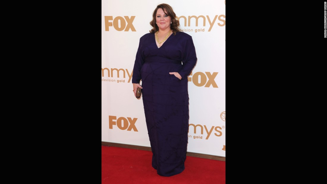 Melissa McCarthy is multitalented, in case you haven't noticed. The actress designed the dress she wore to the 2011 Emmy Awards with the help of couture dressmaker Daniella Pearl.
