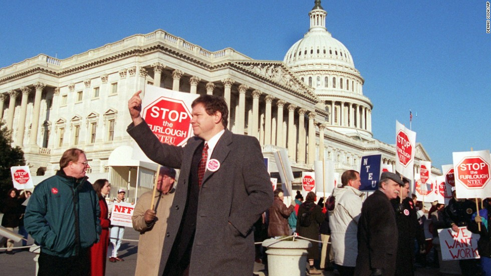 Rep. Thomas Davis III, R-Virginia, attends a rally in Washington on January 5, 1996, urging the end of the government shutdown.