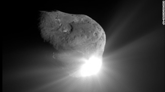 This photo was taken 67 seconds after Deep Impacts impactor spacecraft collided with comet Tempel 1.