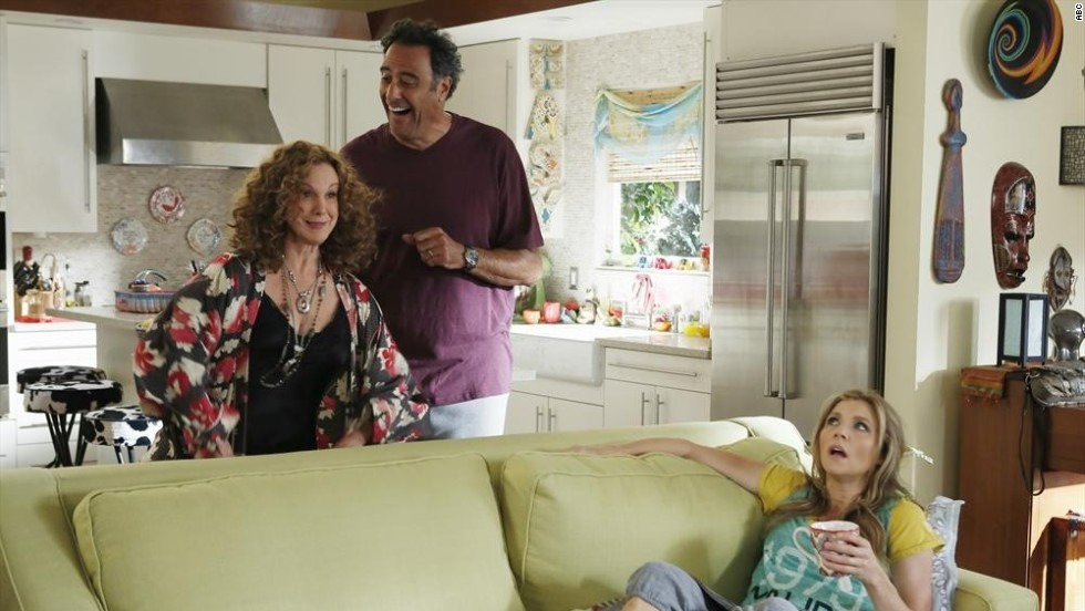 "TV's ""How to Live with Your Parents (For the Rest of Your Life)"" features Sarah Chalke as a single mom who moves back in with her free-loving parents, played by Elizabeth Perkins and Brad Garrett."