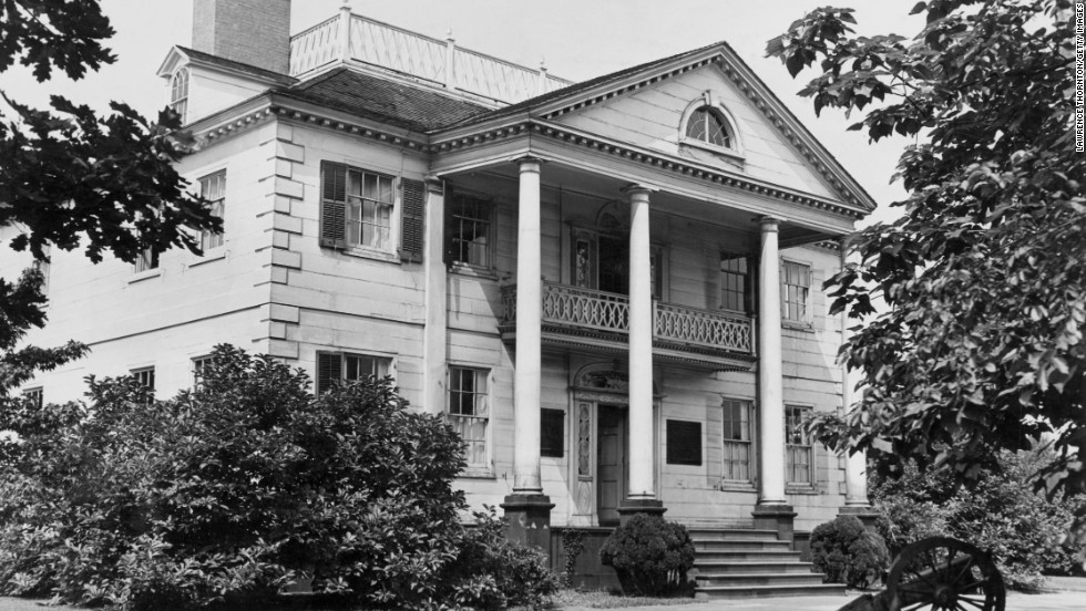 "Morris-Jumel Mansion: Built in 1765 in New York, this Georgian-style colonial home could be <a href=""http://www.nytimes.com/1981/10/31/nyregion/about-new-york-belief-in-ghost-haunts-a-historic-mansion.html "" target=""_blank"">haunted by the ghost of Eliza Jumel</a>, the woman who married onetime U.S. Vice President Aaron Burr and divorced him the day he died."