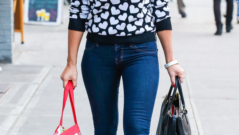 Olivia Munn is a vision of love while out in New York on September 30.