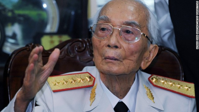 Vietnam's legendary general Vo Nguyen Giap waves to visitors at the end of a visit by Brazilian President Luiz Inacio Lula da Silva at his home in Hanoi on July 10, 2008. Lula praised Vietnam's war-time success against the United States as a 'victory of the oppressed' on a visit to the communist country. AFP PHOTO/HOANG DINH Nam (Photo credit should read HOANG DINH NAM/AFP/Getty Images)