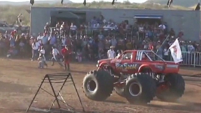 vo vause mexico monster truck_00001429.jpg