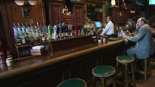 Shutdown hurting D.C. dining industry
