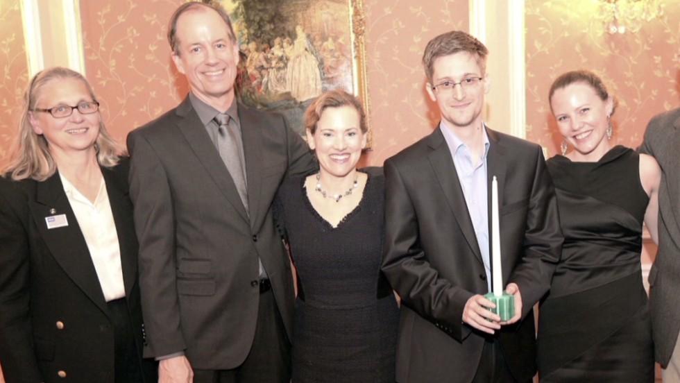 NSA leaker Edward Snowden deserves a Nobel Prize, his father says