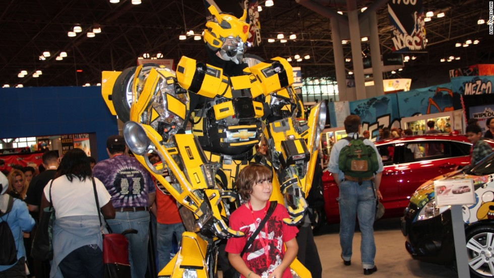 "Transformers' ""Bumblebee"" tries not to be the center of attention at this year's Comic Con."