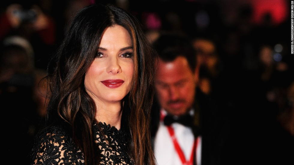 "Sandra Bullock lives up to the nickname of ""America's Sweetheart."" The Oscar winner came to the rescue of an extra on the set of her new movie, ""Our Brand Is Crisis,"" in New Orleans on Sunday, October 29, 2014, when the other woman <a href=""http://www.tmz.com/2014/10/29/sandra-bullock-helps-extra-collapses-on-set-heat-stroke/"" target=""_blank"">reportedly fell ill and collapsed from heatstroke</a>. Bullock gave the woman water and fanned her in the shade until paramedics arrived. Here are a few more celebrities who are handy in a crisis."