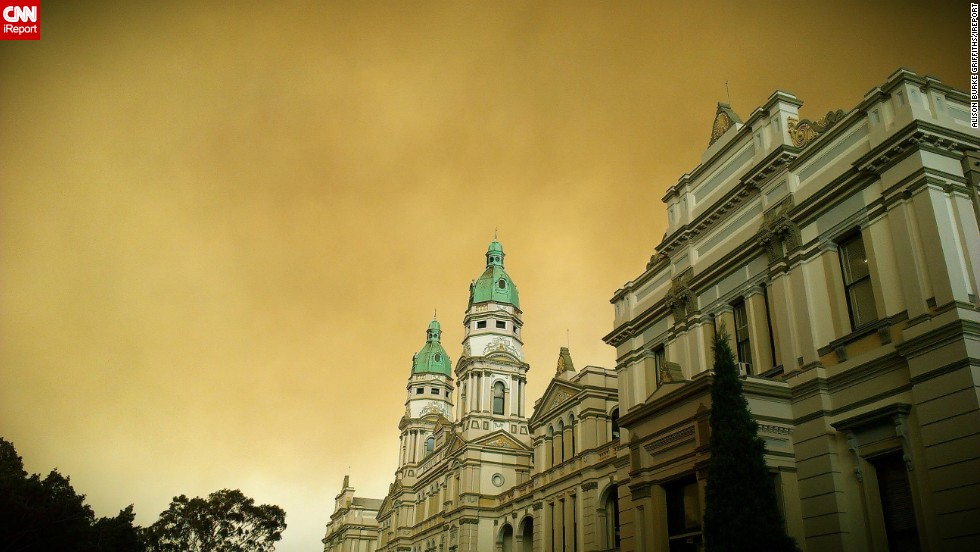 "Smoke looms over Sydney University in this photo taken October 17 by <a href=""http://ireport.cnn.com/docs/DOC-1049928"" target=""_blank"">iReporter Alison Burke Griffiths</a>."