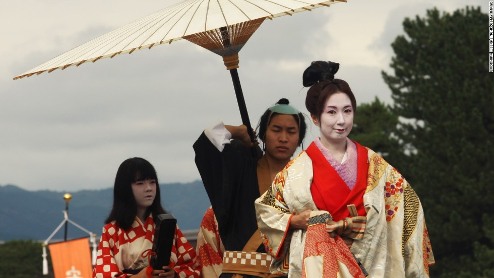 Participants dress in authentic costumes from almost every period of Japanese history and parade from the Imperial Palace to Heian Shrine.