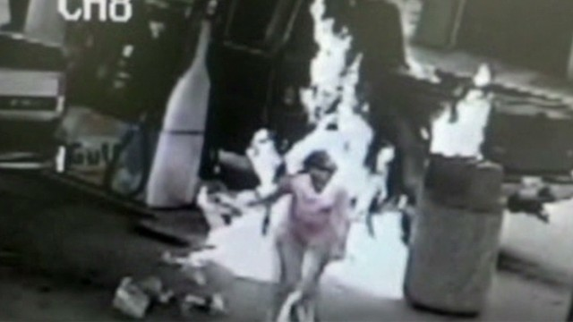 nr vo gas station man sets woman on fire _00002014.jpg