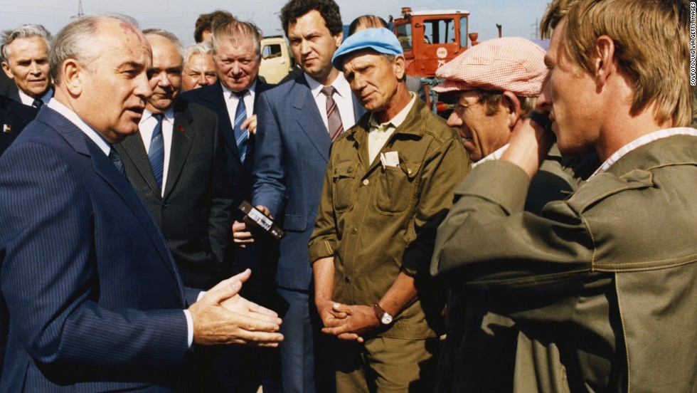 Gorbachev meets employees of a meat-packing plant outside Moscow in 1987.