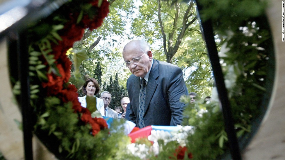 Gorbachev pays his respects to Russian soldiers at a Russian military cemetery in Marl, Germany, in 2003.