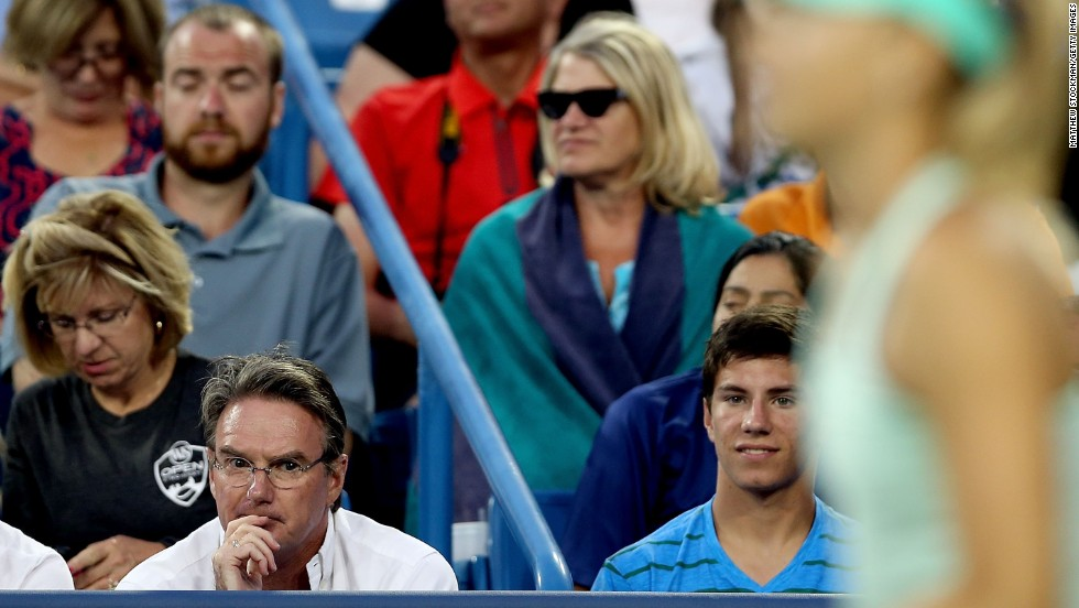 After cutting ties with Thomas Hogstedt, Sharapova hired former No. 1 Jimmy Connors, left, as her coach. But their partnership lasted a mere one match.
