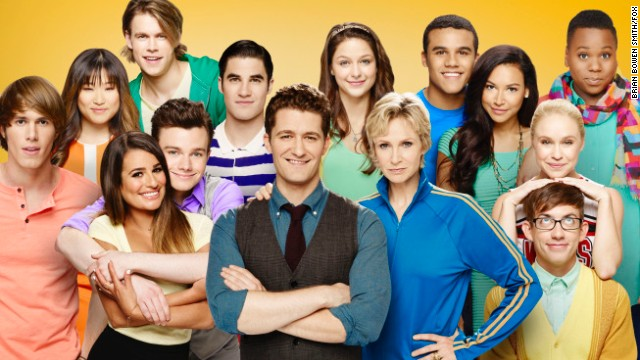 "The cast of ""Glee"" in season 5."
