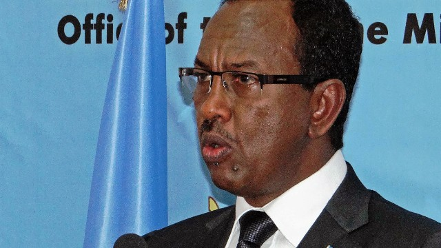 Somalia's former Prime Minister Abdi Farah Shirdon speaking in Mogadishu on December 2, 2013.