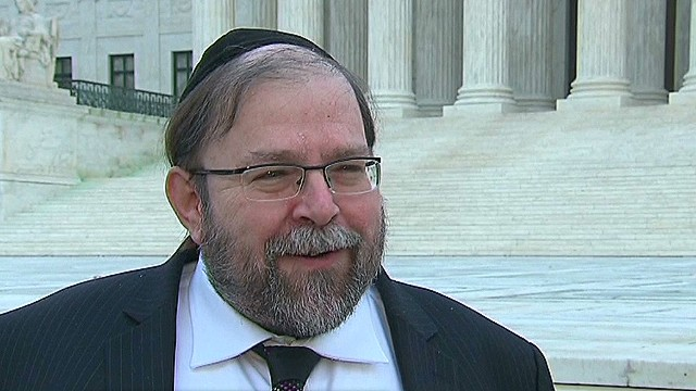 TSR dnt Johns Rabbi's frequent flier privileges revoked _00002001.jpg
