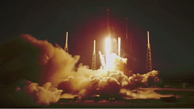 SpaceX launches Falcon 9 rocket