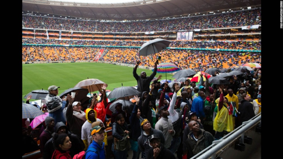 South Africans await the arrival of President Obama.