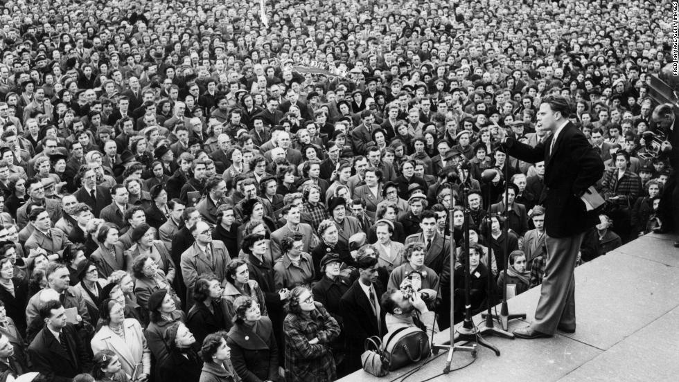 Graham addresses a crowd in Trafalgar Square in London on March 4, 1954.