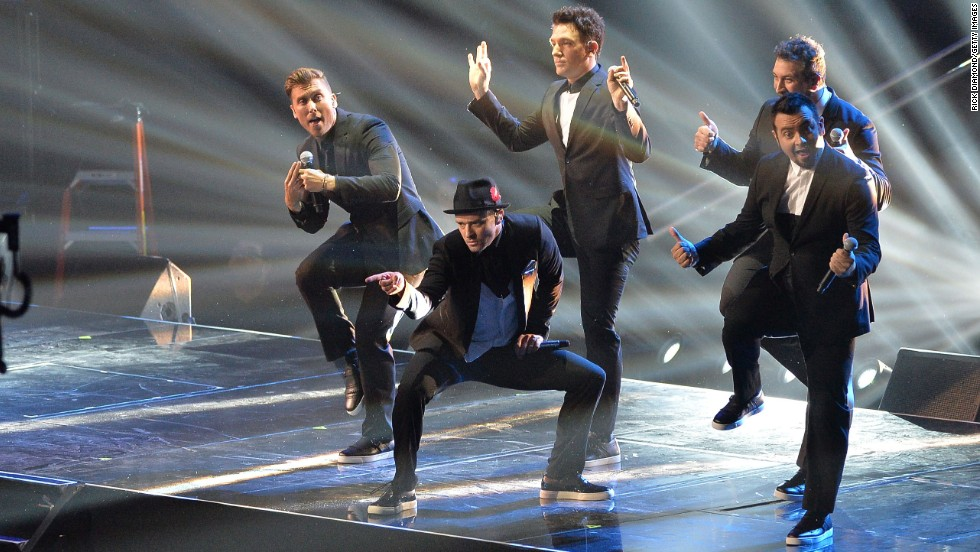 Amid clamor from fans, Chris Kirkpatrick, Joey Fatone, Justin Timberlake, JC Chasez and Lance Bass of 'N Sync briefly reunited in August to perform during the 2013 MTV Video Music Awards.