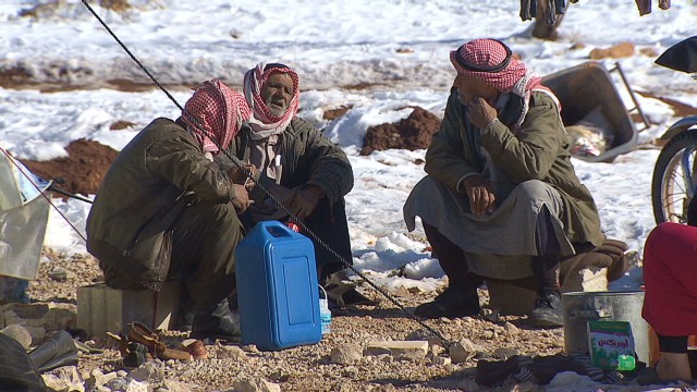 Syrian refugees face snow, freezing temps