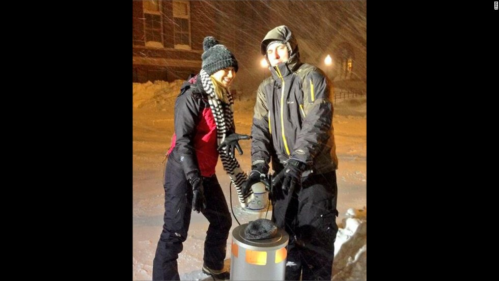 Here's a look at how CNN's Indra Petersons and Steve Kastenbaum are staying warm in 1-degree weather in Boston.