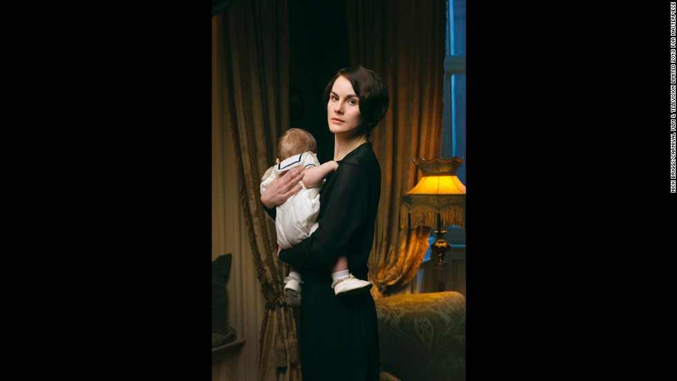 Widowed Lady Mary (Michelle Dockery) has adjusted to life as a single mom and is juggling several new suitors.