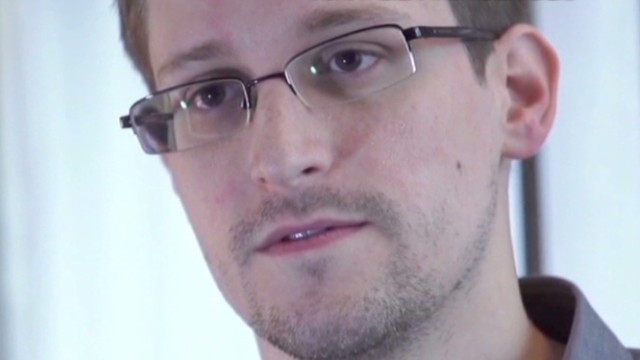 calls.for.clemency.for.edward.snowden_00022604.jpg