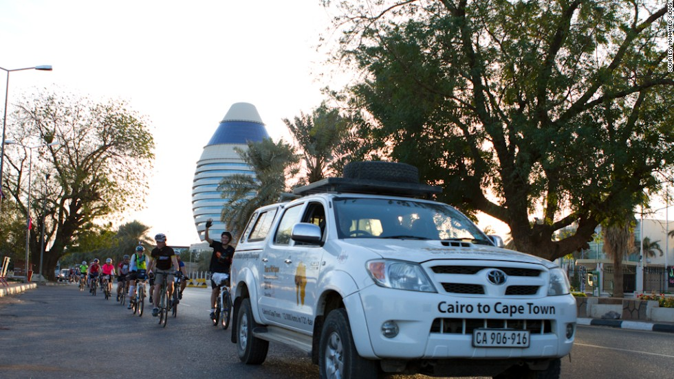 The 2014 Tour d'Afrique began on January 10 from the Sudanese capital Khartoum. The race covers around 12,000 km, all the way down to Table Mountain, in Cape Town, South Africa.
