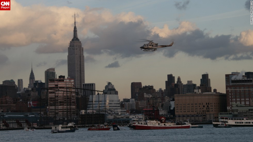 "Jim Davidson of Hoboken, New Jersey, said the scene looked ""pretty well organized"" from what <a href=""http://ireport.cnn.com/docs/DOC-182001"">he could see</a> across the river. He said ferry and tourist boats pulled up to the downed plane."