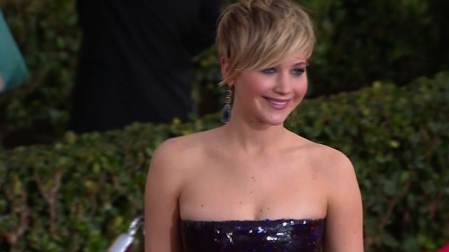 J-Law: Dress is 'squeezing my breasts'