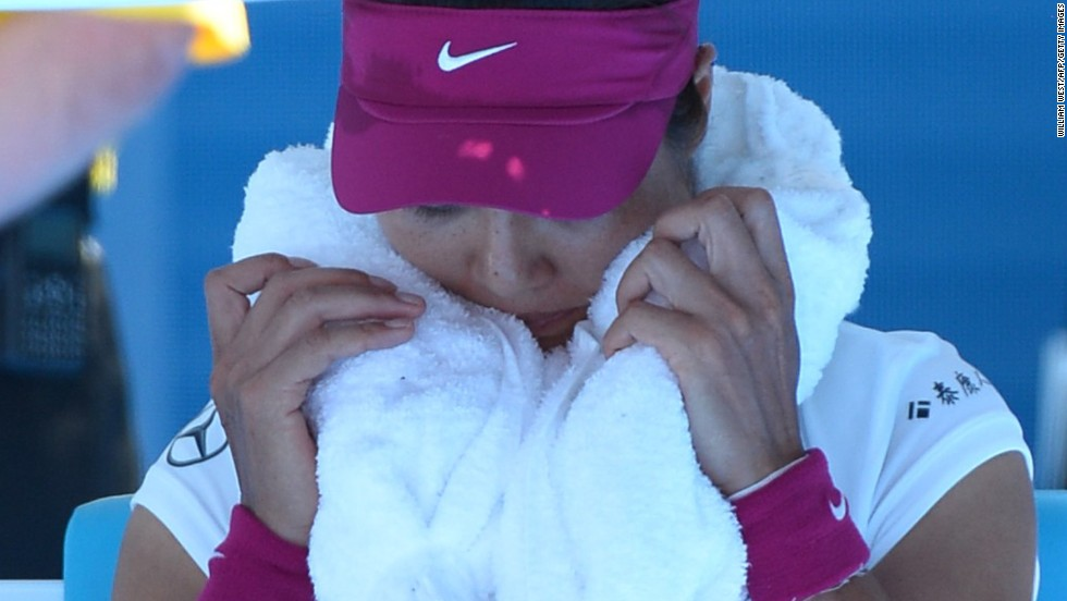 With Serena Williams, Victoria Azarenka and Maria Sharapova all eliminated, fourth seed Li was the highest-ranked player left in the women's draw.
