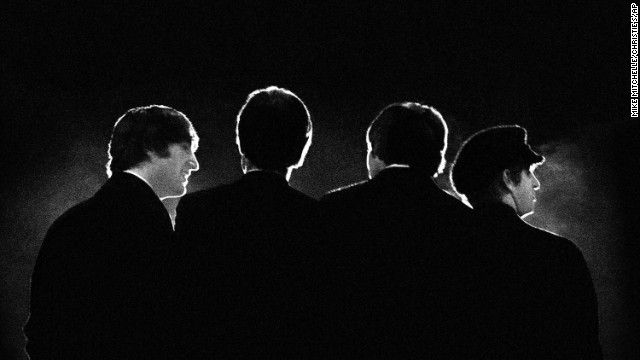 America falls in love with the Beatles