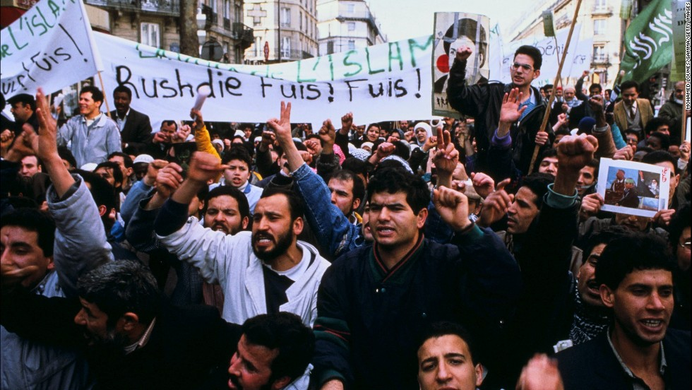A demonstration against Rushdie and his novel takes place in Paris in November 1989.