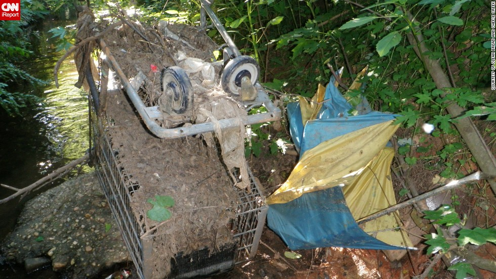 "Since 2009, volunteers with the Clean Bread and Cheese Creek organization in Maryland <a href=""http://ireport.cnn.com/docs/DOC-1084550"">have removed more than 200 shopping carts from the creek</a>, which feeds into the Chesapeake Bay."