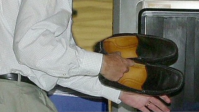 Airlines warned about shoe bomb threat