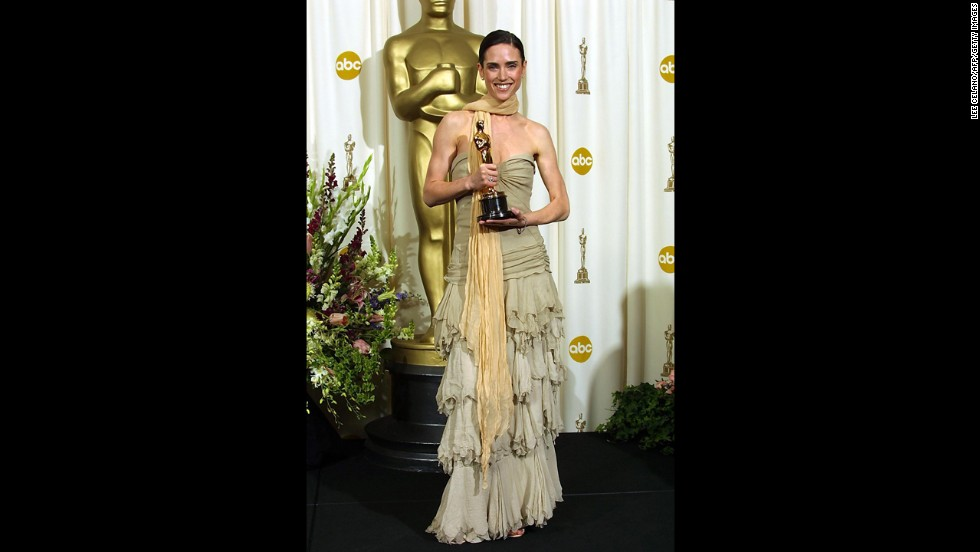 Jennifer Connelly, who won the 2002 Oscar for best supporting actress, arrived at the ceremony that year fully prepared in case the theater was chilly. That turned out to be a very, very bad idea.