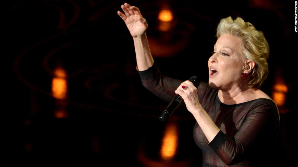 "Bette Midler sings ""Wind Beneath My Wings"" during the ""In Memoriam"" segment."